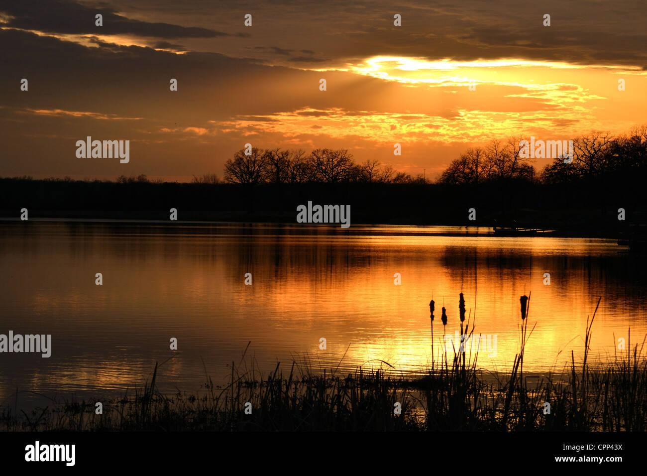 Sunset on Pretty Water Lake near Sapulpa, Oklahoma - Stock Image
