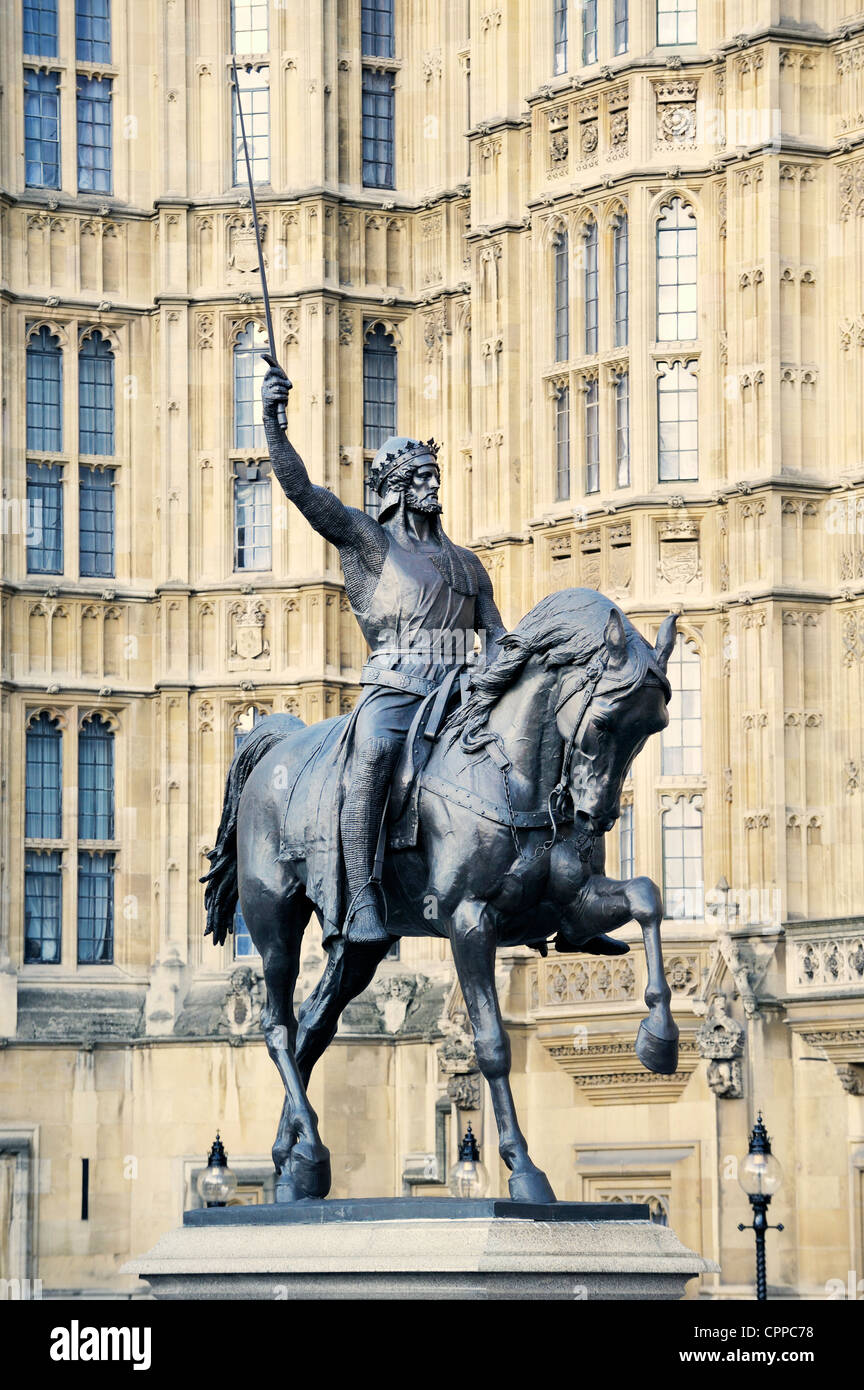 Statue of King Richard I of England, Richard the Lionheart, outside Palace of Westminster, Houses of parliament, - Stock Image