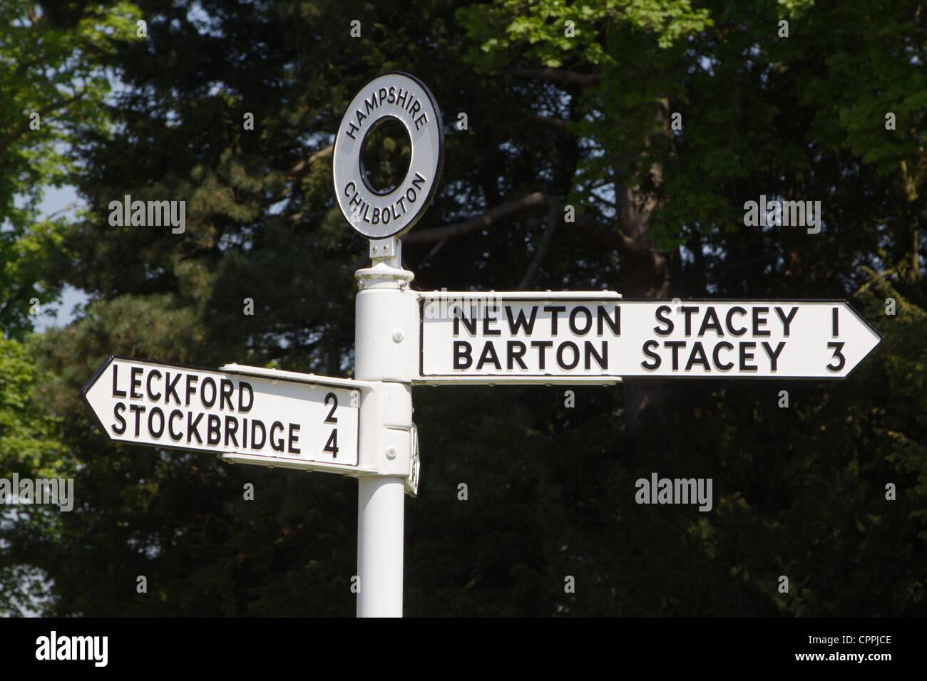 hampshire signpost england uk - Stock Image