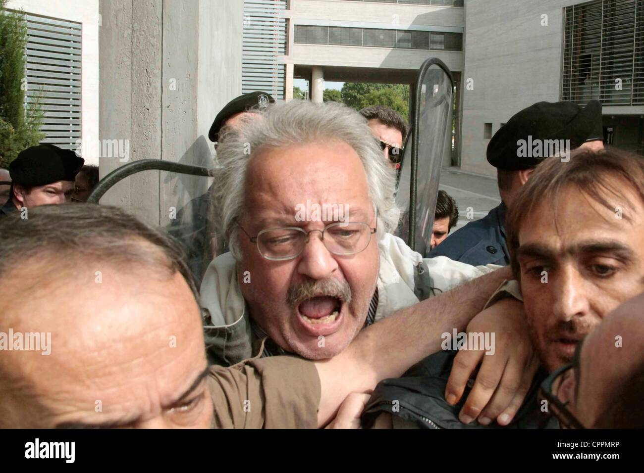 Thessaloniki, Greece, 30th May 2012 - Municipal mechanics protest outside Thessalonika City hall over plans to privatise - Stock Image
