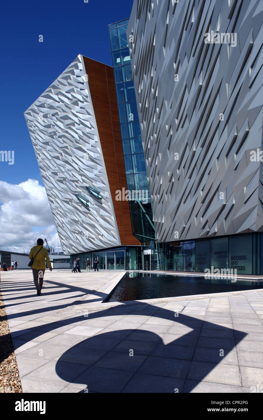 Visitors entering Titanic Belfast Signature Project - Stock Image