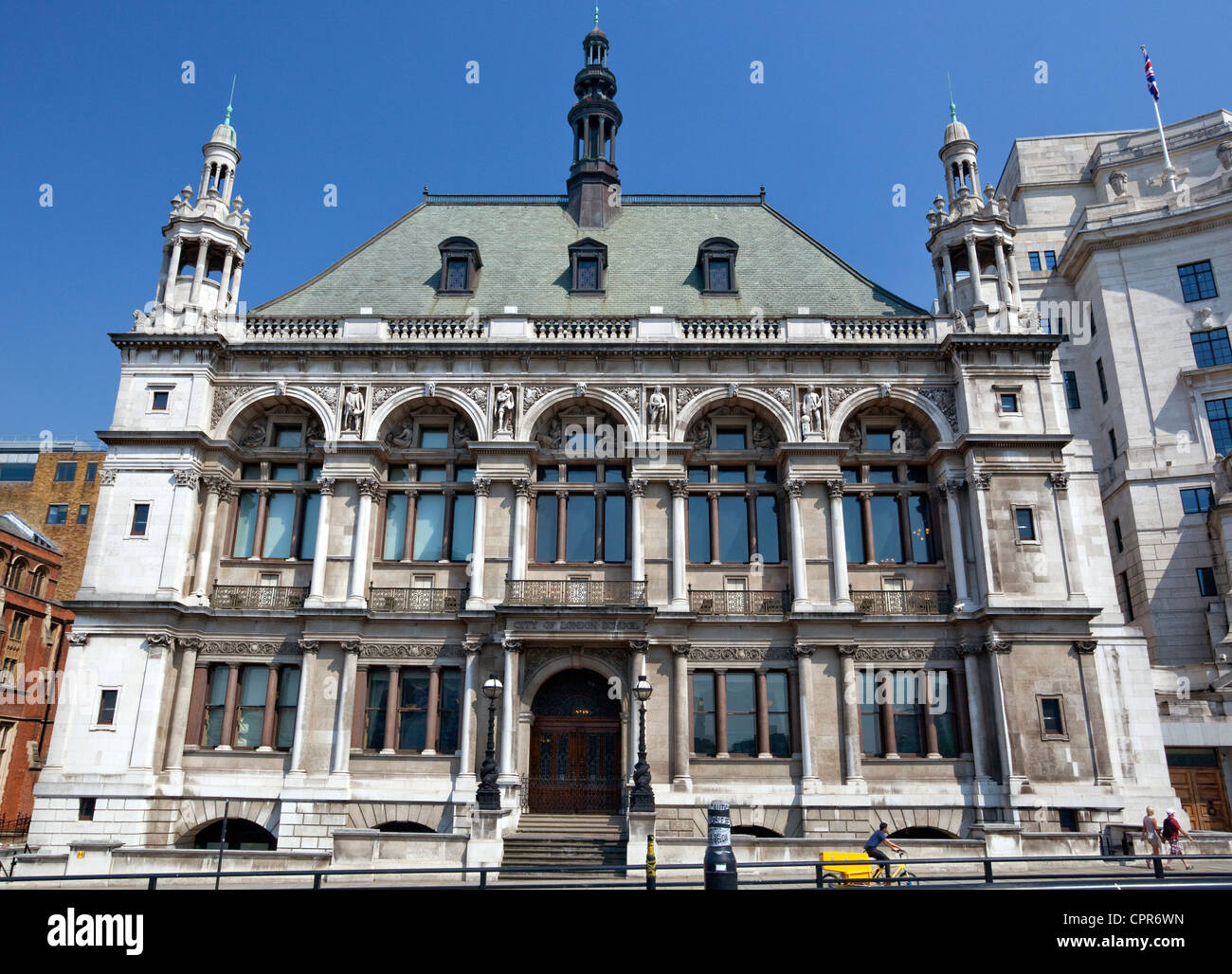 Former City of London School building on Victoria Embankment, London now occupied by J P Morgan - Stock Image