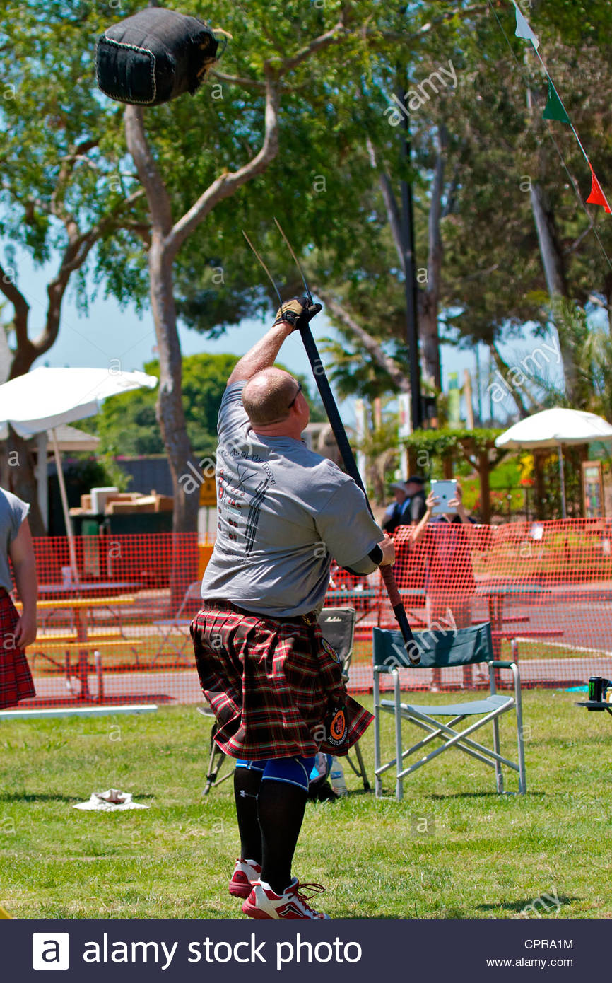 Sheaf toss at the Scottish Festival Costa Mesa California - Stock Image
