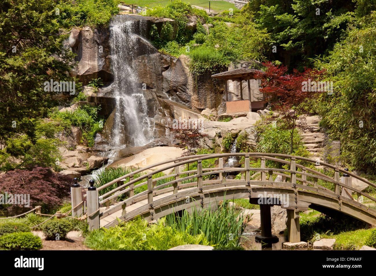 Garden Waterfall Bridge Stock Photos & Garden Waterfall Bridge Stock ...