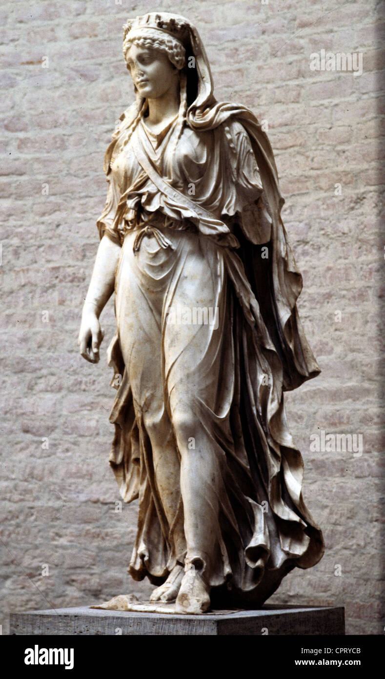 Artemis (Latin: Diana), Greek / Roman goddess of the hunt, statue from the 1st century AD, Glyptothek, Munich, full - Stock Image