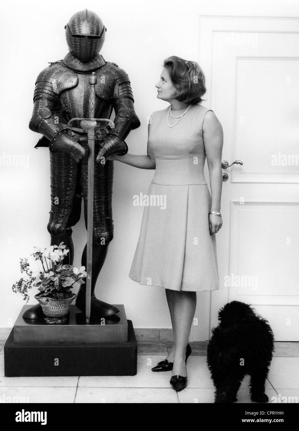 Prussia, Kira Princess of, 27.6.1943 - 10.1.2004, in her appartement, besides a knight's armour, 1966, Additional - Stock Image