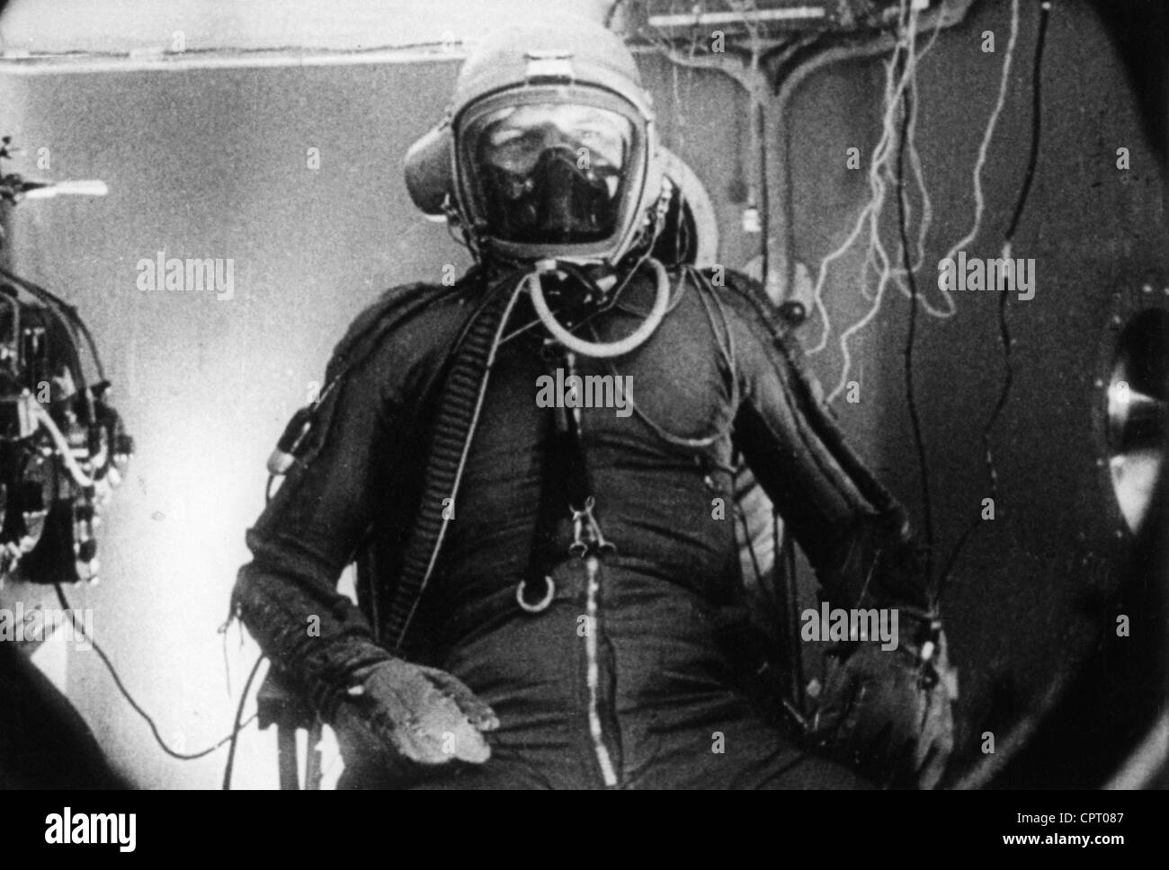 Gagarin, Yuri, 9.3.1934 - 27.3.1968, Soviet spaceman (cosmonaut), half length, in overall and with oxygen mask, - Stock Image