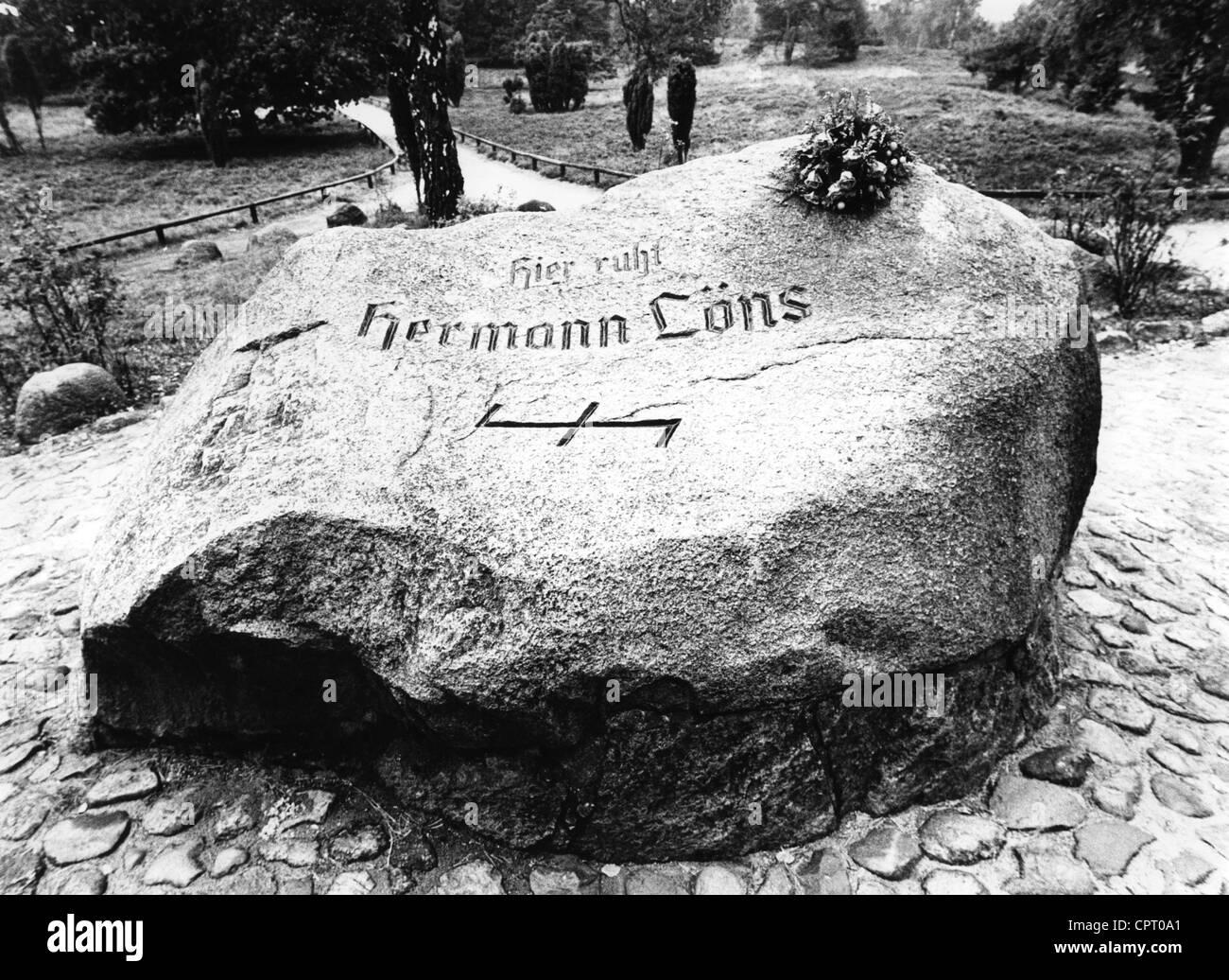 Loens, Herman, 29.8.1866 - 26.9.1914 (killed in World War One), German author / writer (poet), gravestone near Fallingbostel, - Stock Image