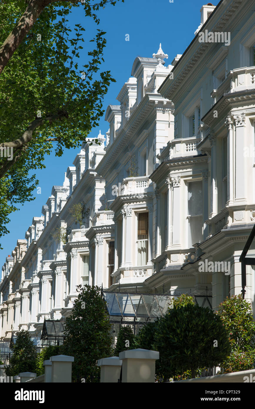 Exclusive properties on Holland Park W11 in the Royal Borough of Kensington and Chelsea, London, UK. - Stock Image