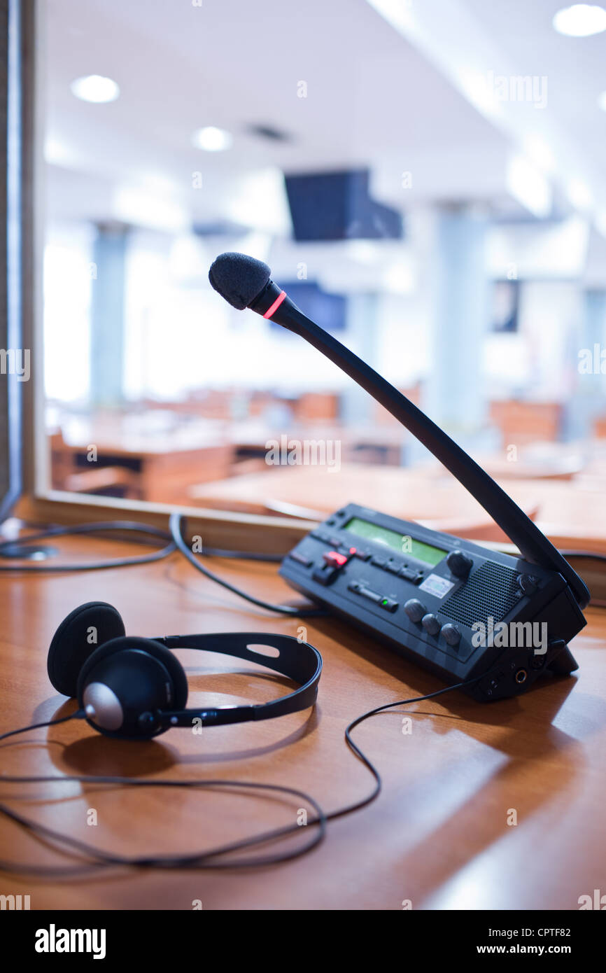 interpreting - Microphone and switchboard in an simultaneous interpreter booth - Stock Image