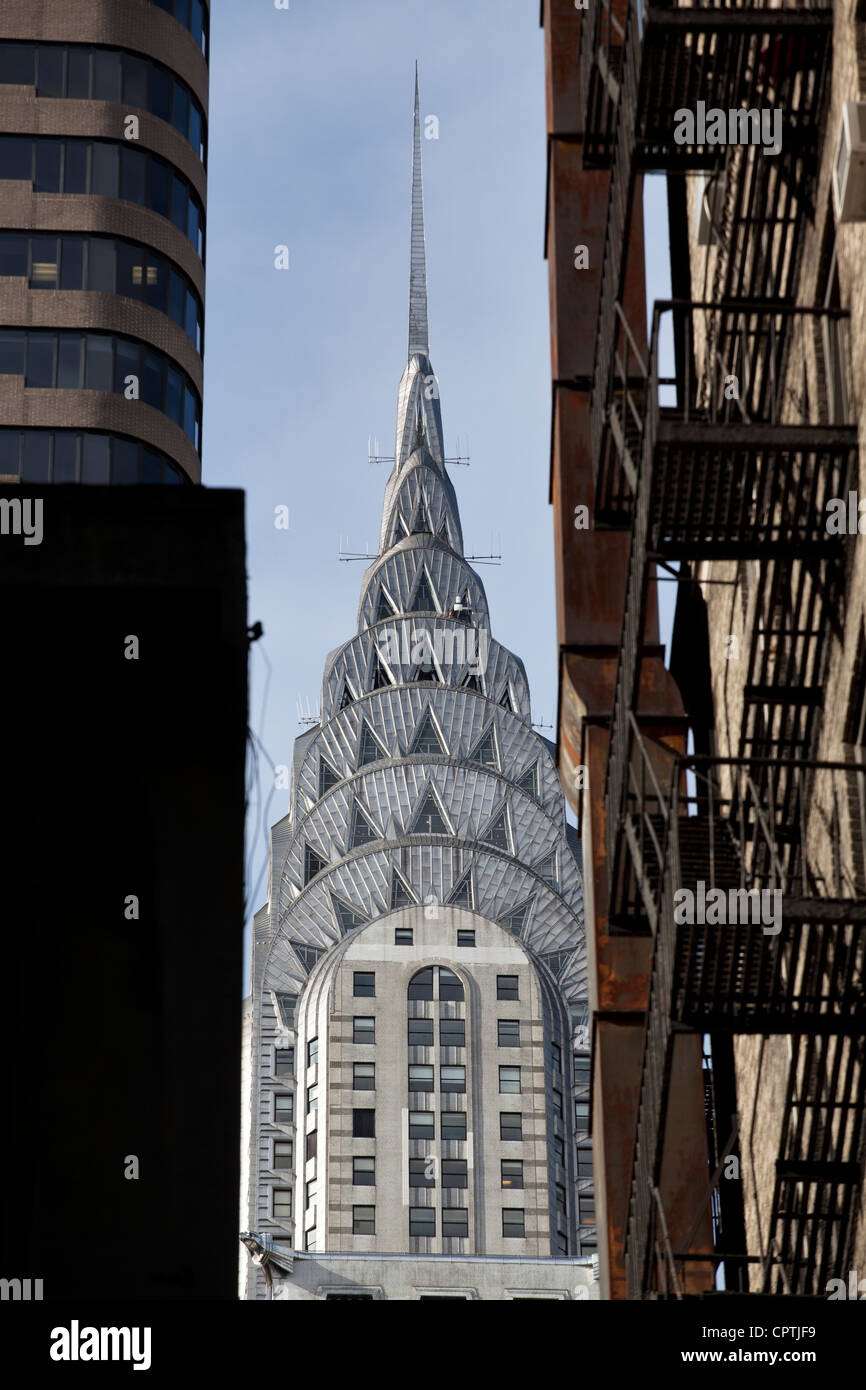 Chrysler Building viewed down an alley, New York City. - Stock Image