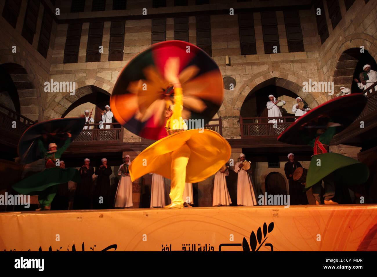 TRADITIONAL Sufi DANCE TANORAH DANCING, CAIRO, EGYPT - Stock Image