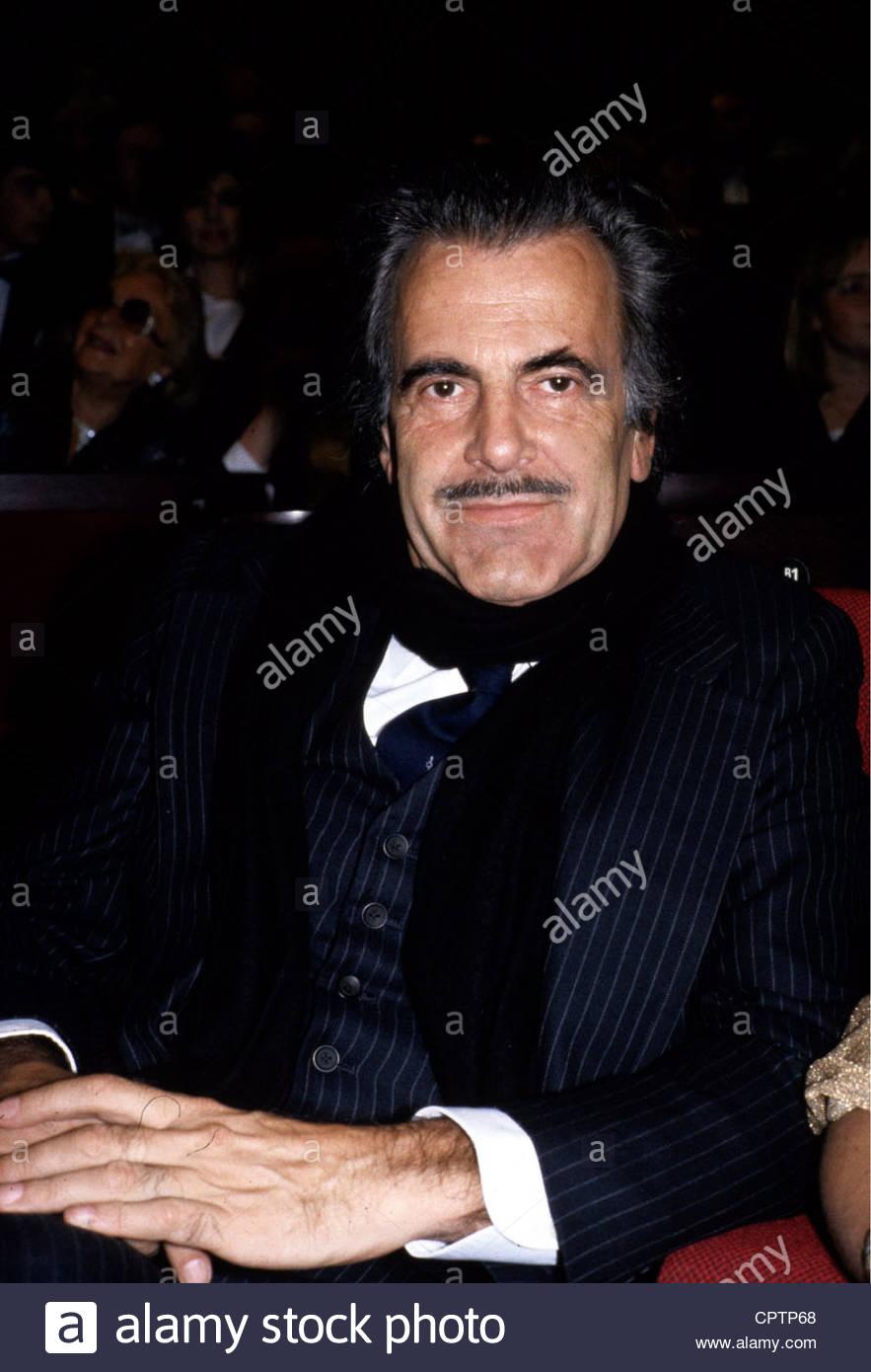 Schell, Maximilian, * 8.12.1930, Austrian actor, portrait, 1980s, moustache, scarf, - Stock Image