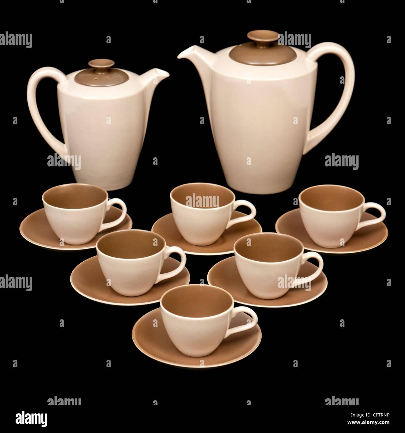 Mid-1950u0027s Poole Pottery C54 Streamline Twin-Tone (Mushroom u0026 Sepia) coffee / tea service designed by Alfred Read. & Mid-1950u0027s Poole Pottery C54 Streamline Twin-Tone (Mushroom u0026 Sepia ...
