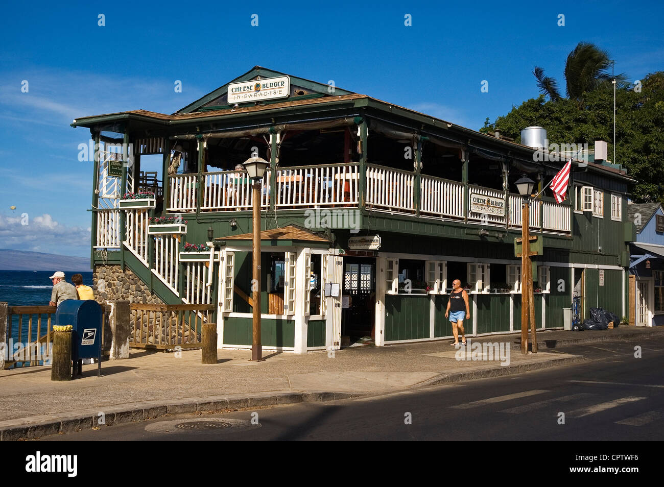 Elk284-4126 Hawaii, Maui, Lahaina, Front St, Cheese Burger In Paradise restaurant on the waterfront Stock Photo