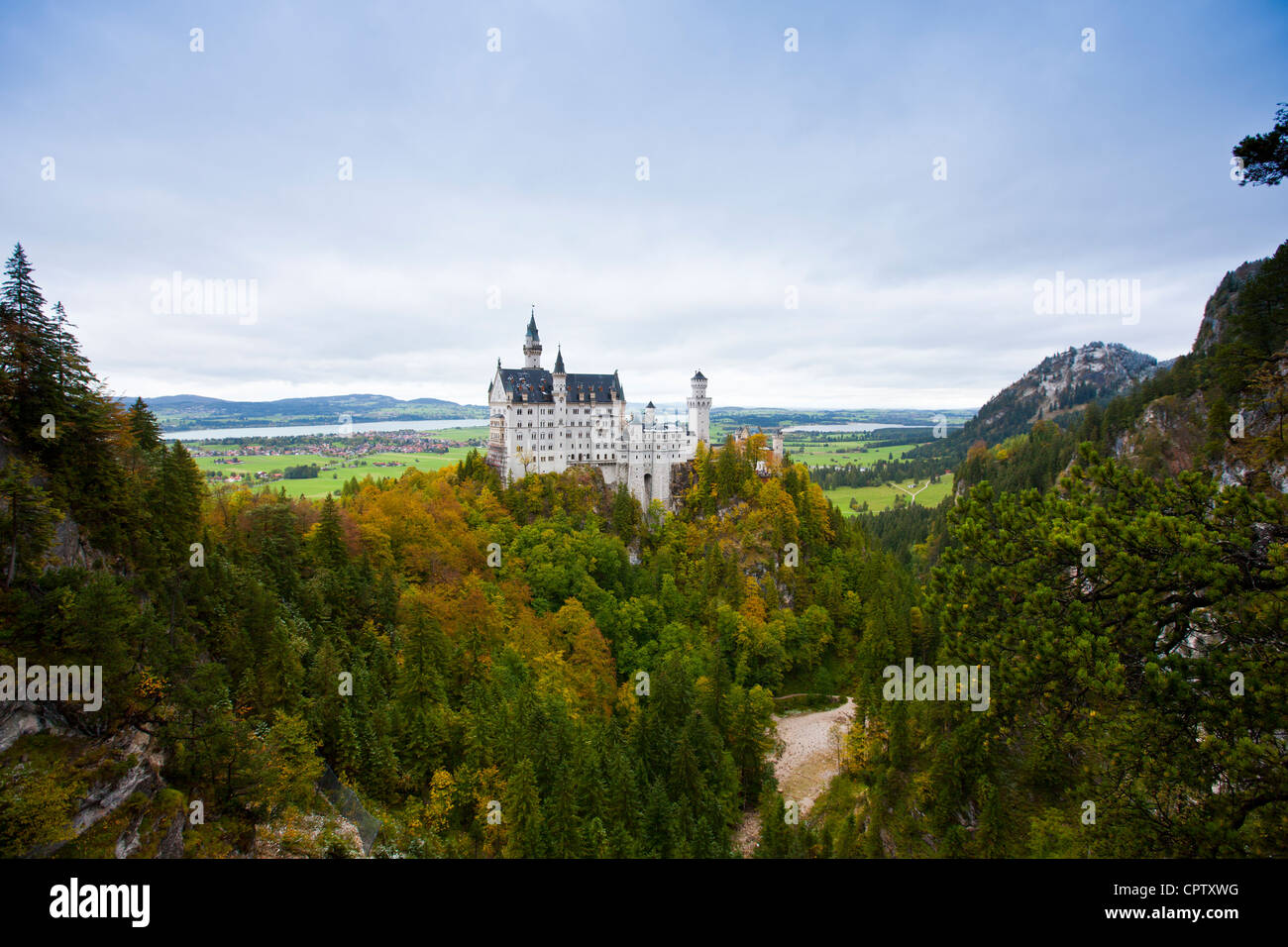Schloss Neuschwanstein castle, 19th Century Romanesque revival palace of Ludwig II of Bavaria in the Bavarian Alps, - Stock Image
