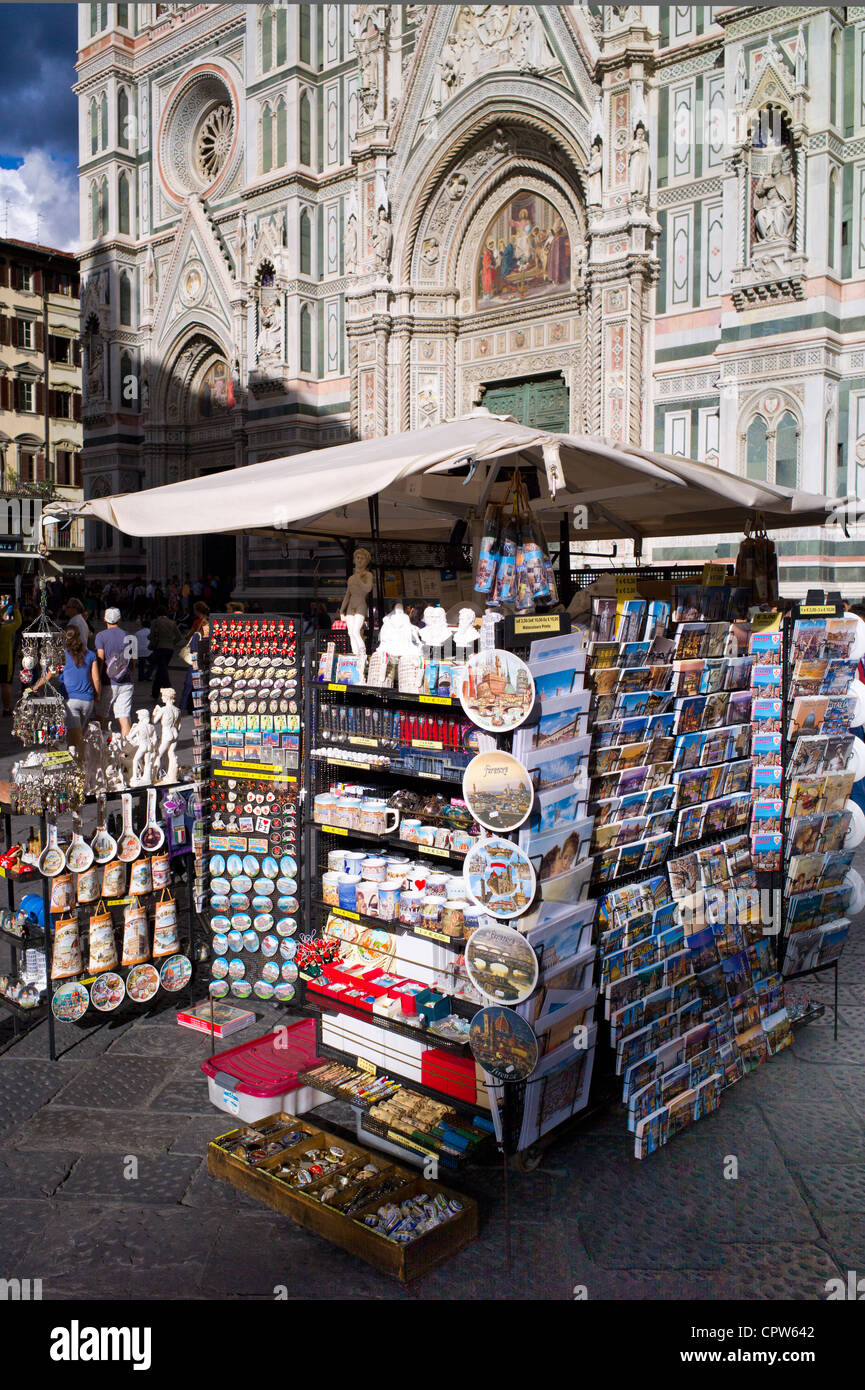 Souvenir stall selling guidebooks, maps and souvenirs in Piazza di San Giovanni, Tuscany, Italy - Stock Image
