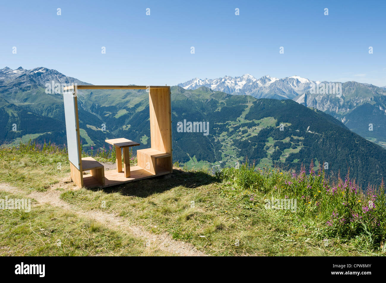 Contemporary pick nic bench high above Verbier, Swiss mountains, Switzerland - Stock Image
