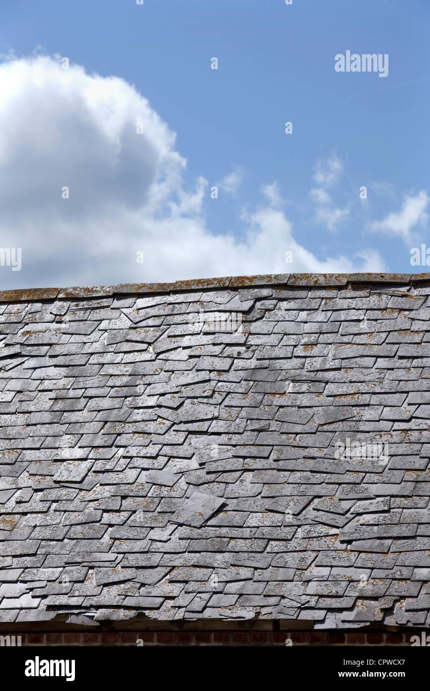 Roof Repair Slate Stock Photos & Roof Repair Slate Stock Images - Alamy