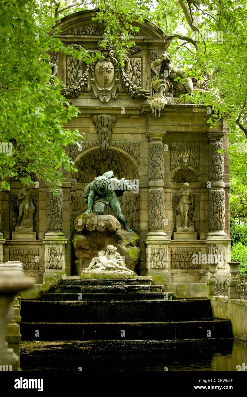 Medici Fountain Or Fontaine De Medicis Jardin Du Luxembourg
