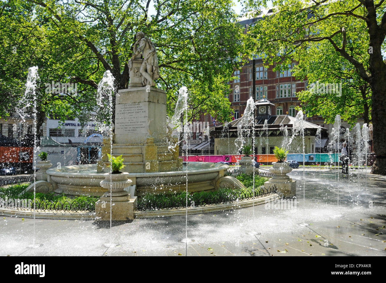 New fountains in the refurbished Leicester Square gardens - Stock Image