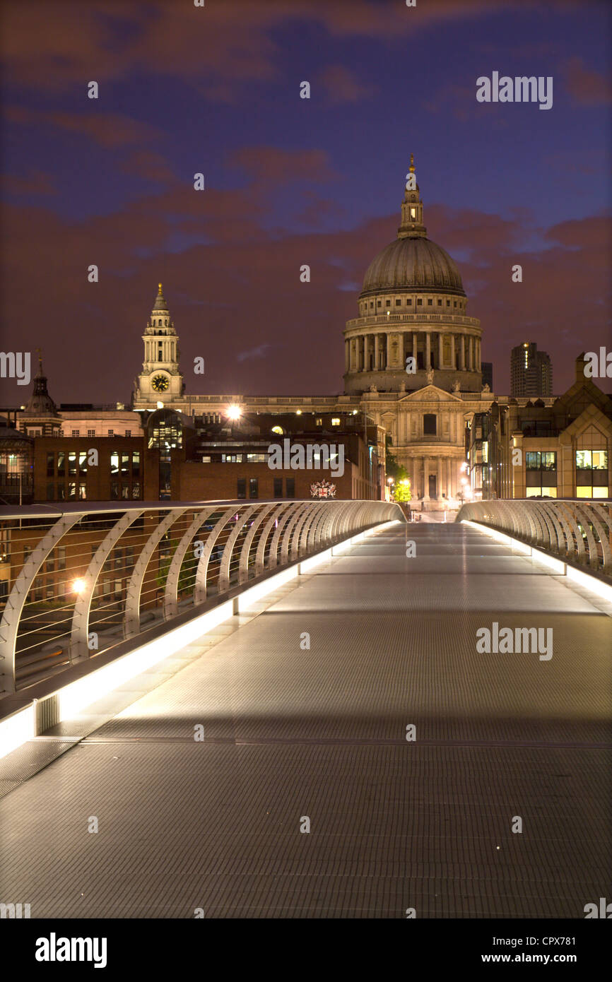 London - modern bridge and st. Paul s cathedral in morning - Stock Image