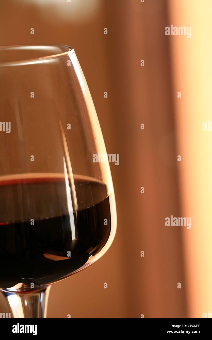 cote du rhone wine stock photos cote du rhone wine stock. Black Bedroom Furniture Sets. Home Design Ideas