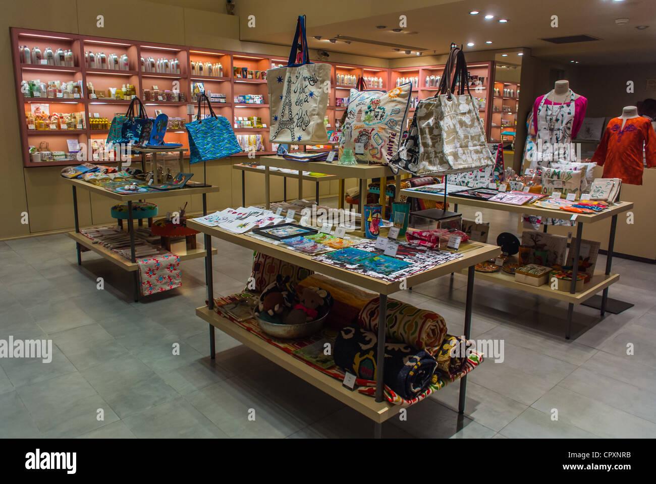 Paris, France, Shopping Center Mall, Louvre Carrousel, Shops, Boutiques, Fragonard Fragrences, Inside Displays - Stock Image