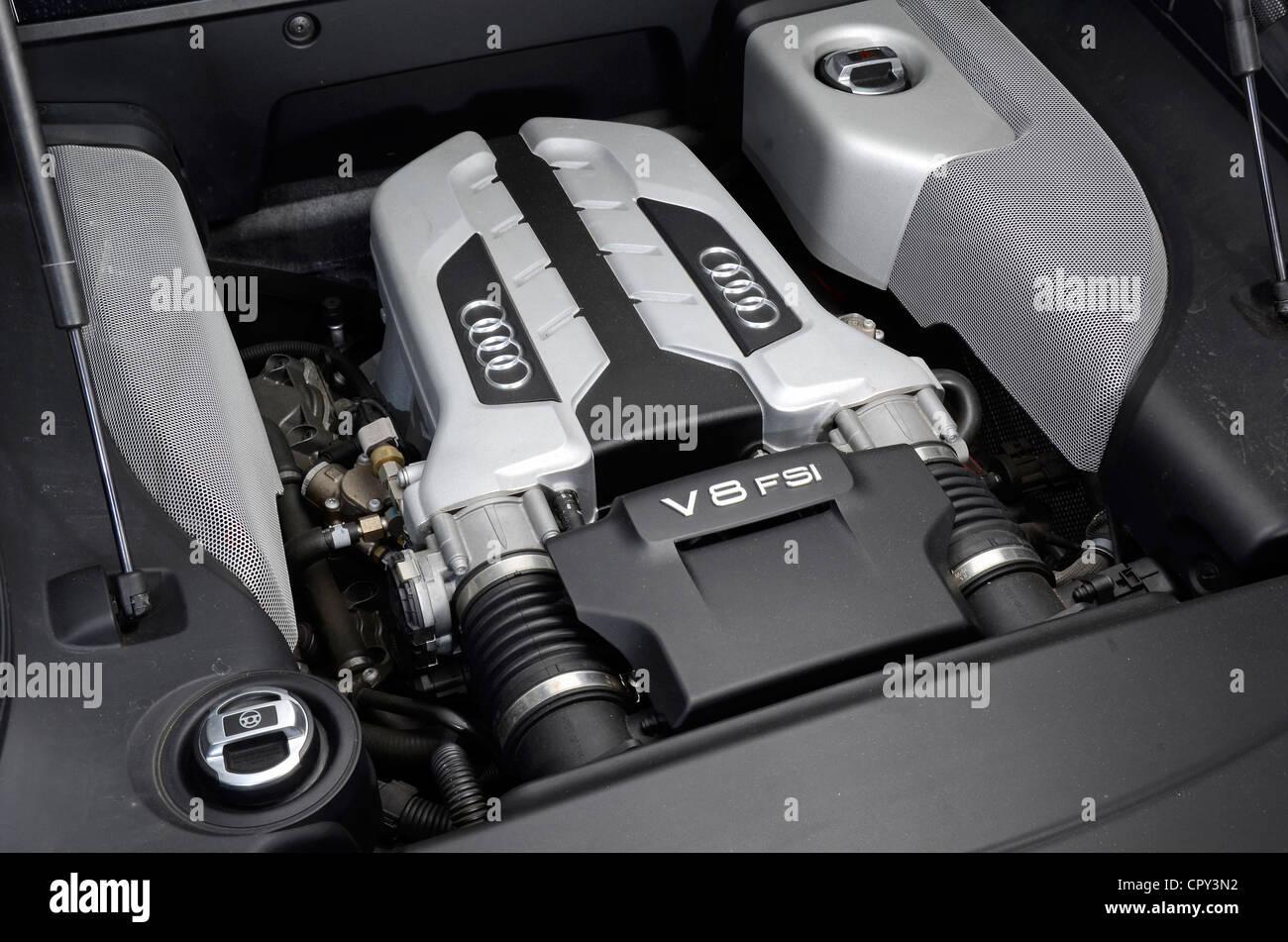 Audi R Engine Stock Photos Audi R Engine Stock Images Alamy - Audi r8 engine