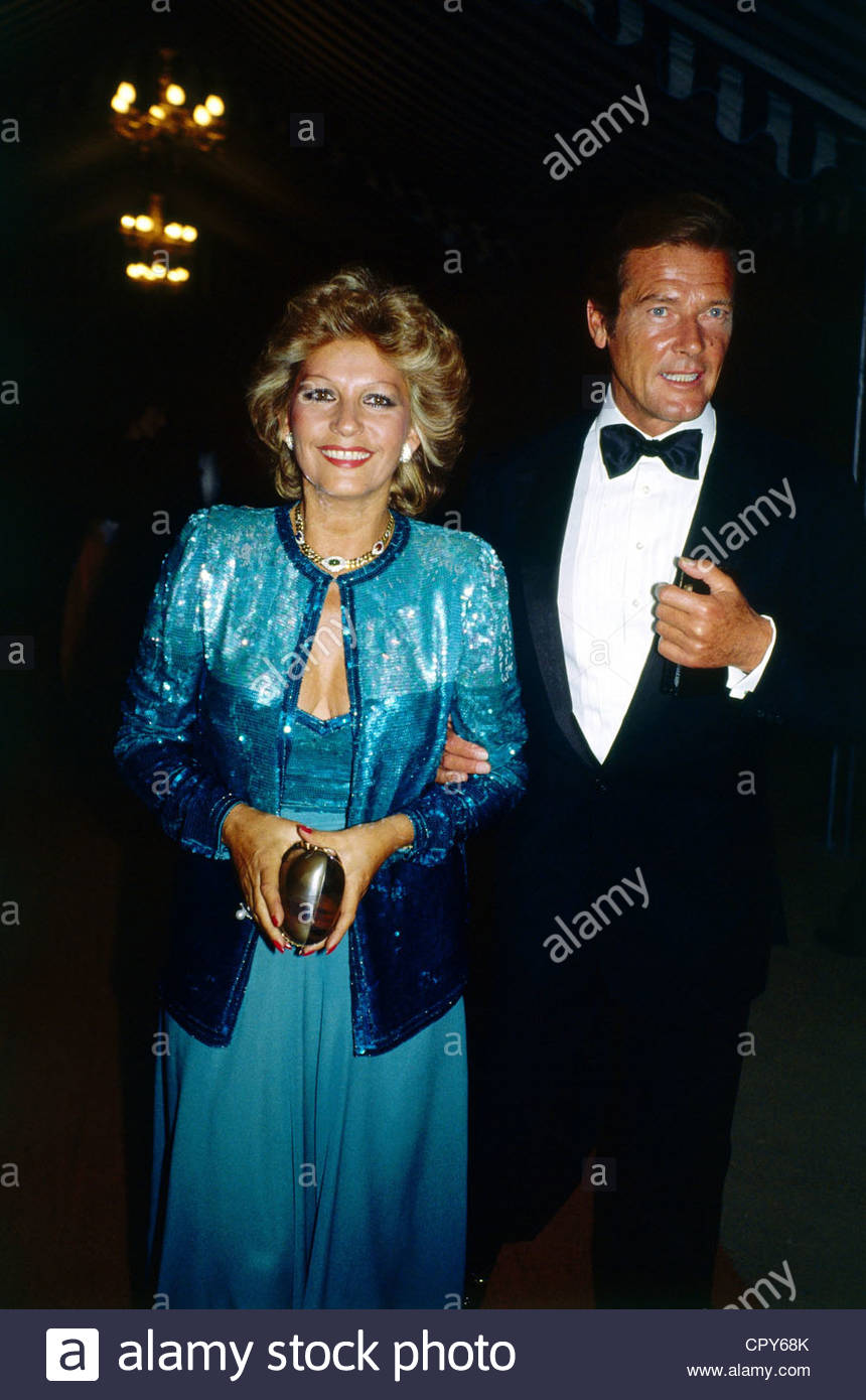 Moore, Roger * 14.10.1927, British actor, half length, with his wife Luisa Mattioli, Munich, Germany, circa 1980, - Stock Image