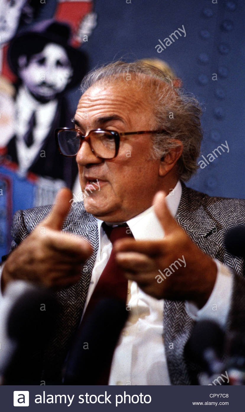 Fellini, Federico, 20.1.1920 - 31.10.1993, Italian director, portrait, during an interview, 1980s, glasses, 80s, - Stock Image