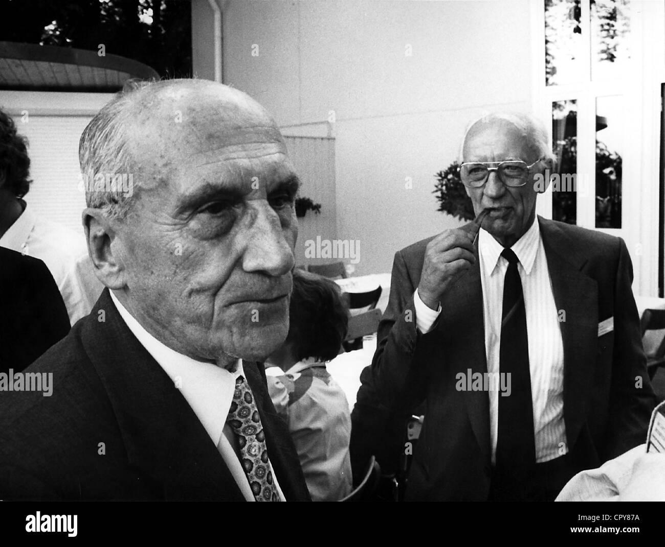 Prelog, Vladimir, 23.7.1906 - 7.1.1998, Swiss chemist of Bosnian origin, Nobel Prize laureate, at the Conference Stock Photo