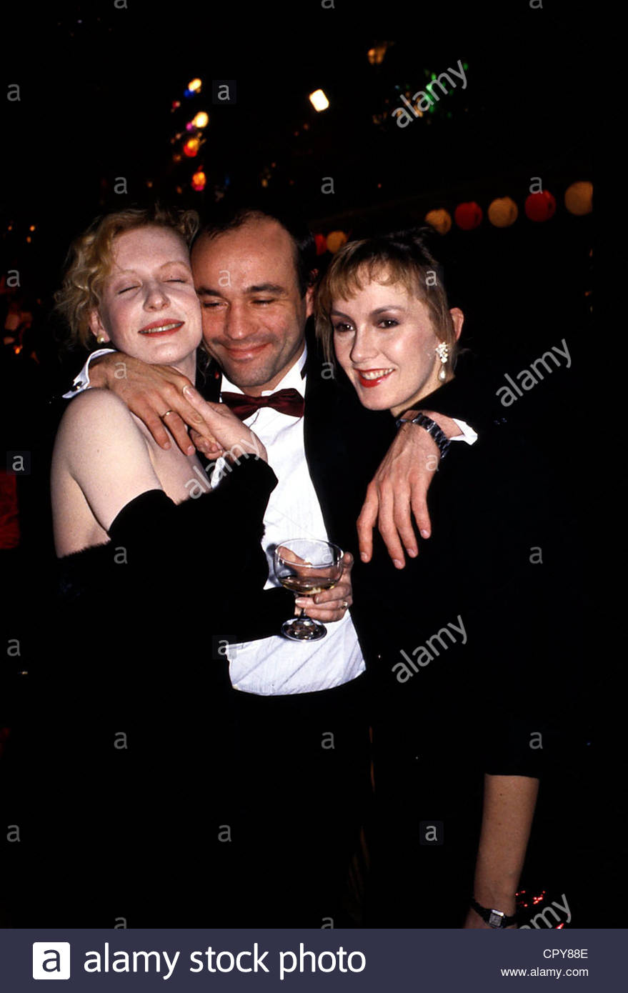 Lauterbach, Heiner, * 10.4.1953, German actor, half length, with Katja Flint, 1988, 90s, embracing, two, 2, women, - Stock Image