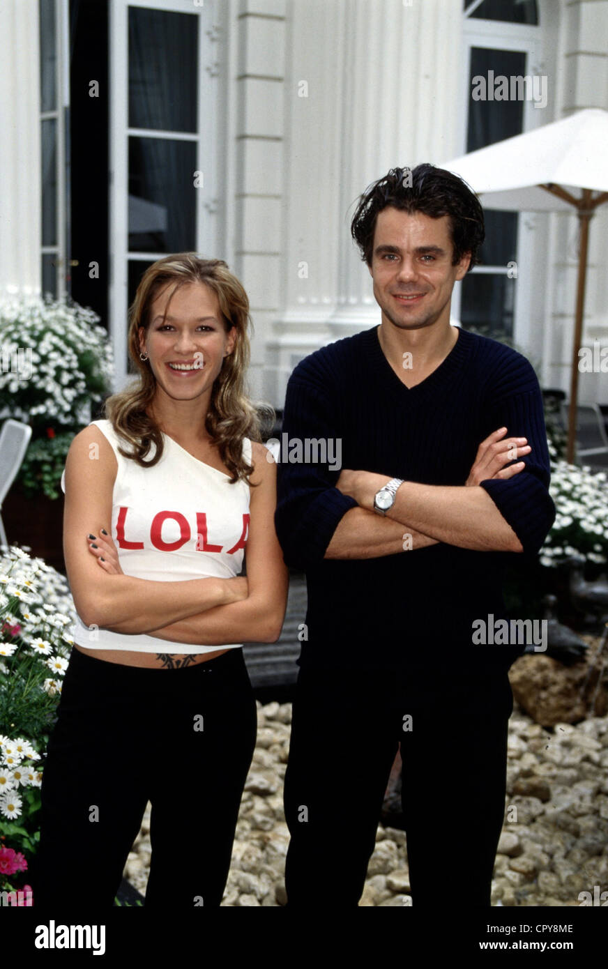 Tykwer, Tom, * 23.5.1965, German director, half length, with Franka Potente as Lola, photo taken on occasion of - Stock Image