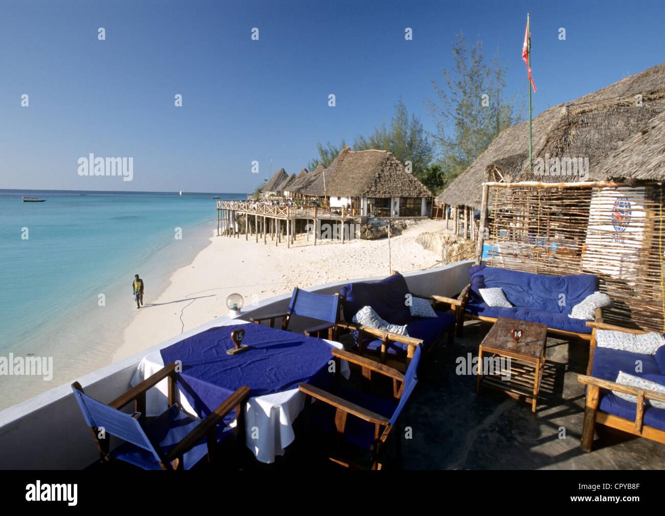 Tanzania, Zanzibar Archipelago, Unguja island (Zanzibar), Nungwi, cafe terrace on the beach - Stock Image