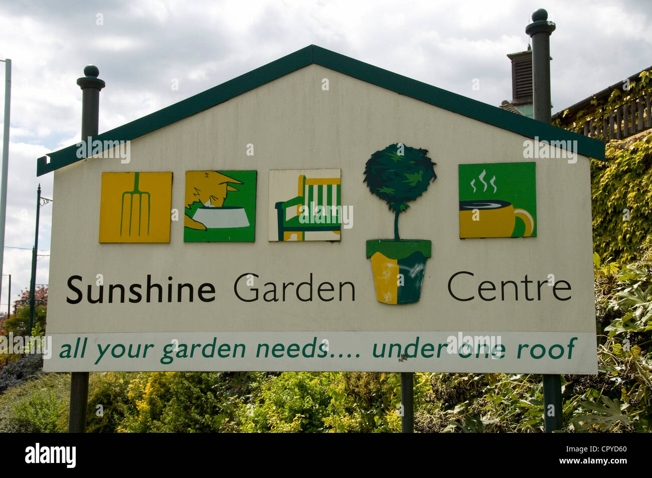 Garden Centre: London Borough Of Haringey Stock Photos & London Borough
