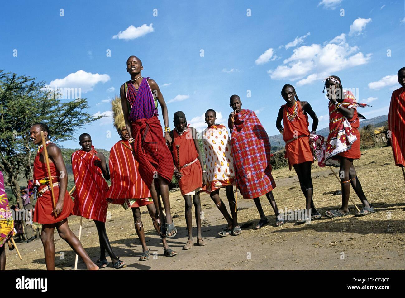 Kenya, South-West, Masai Mara Nature Reserve, masaï dance practised to seduce the future wife Stock Photo