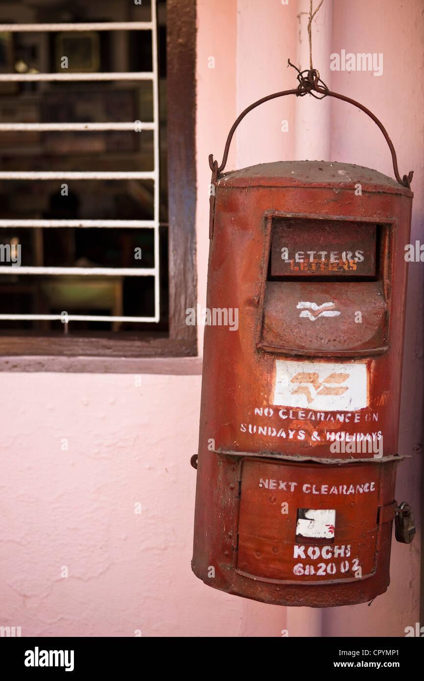 India, Kerala State, Kochi (Cochin), old letter box - Stock Image