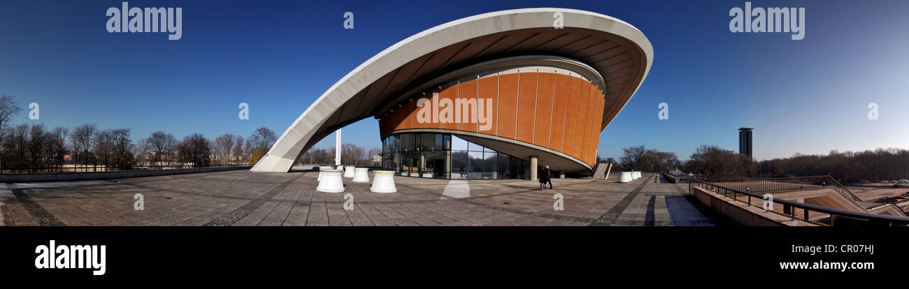 Panoramic view, Haus der Kulturen der Welt, House of World Cultures, with bronze sculpture 'Large Divided Oval: - Stock Image