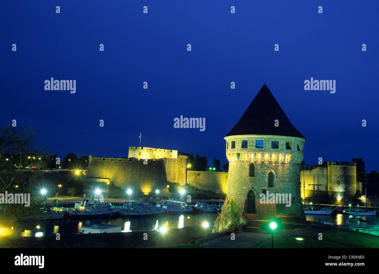 France, Finistere, Parc Naturel Regional d'Armorique, Brest, castle and Tour Tanguy - Stock Image