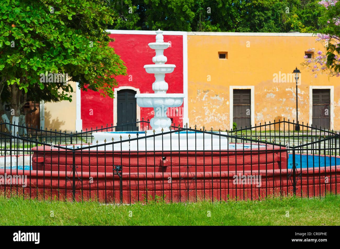 Yucatan Fountain Stock Photos & Yucatan Fountain Stock