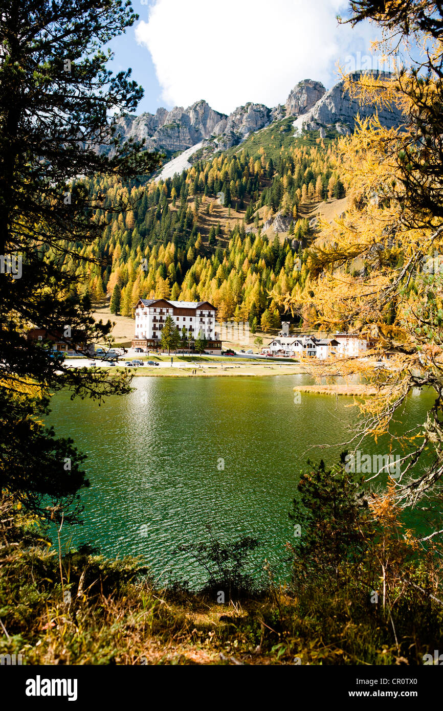 Lago Misurina lake in Dolomite Alps, Italy, Europe - Stock Image