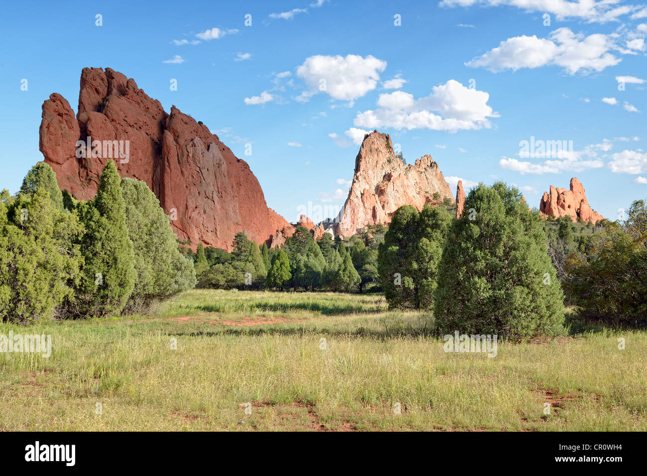 South Gate Rock, left, and Cathedral Rock, Garden of the Gods, red sandstone rocks, Colorado Springs, Colorado, - Stock Image