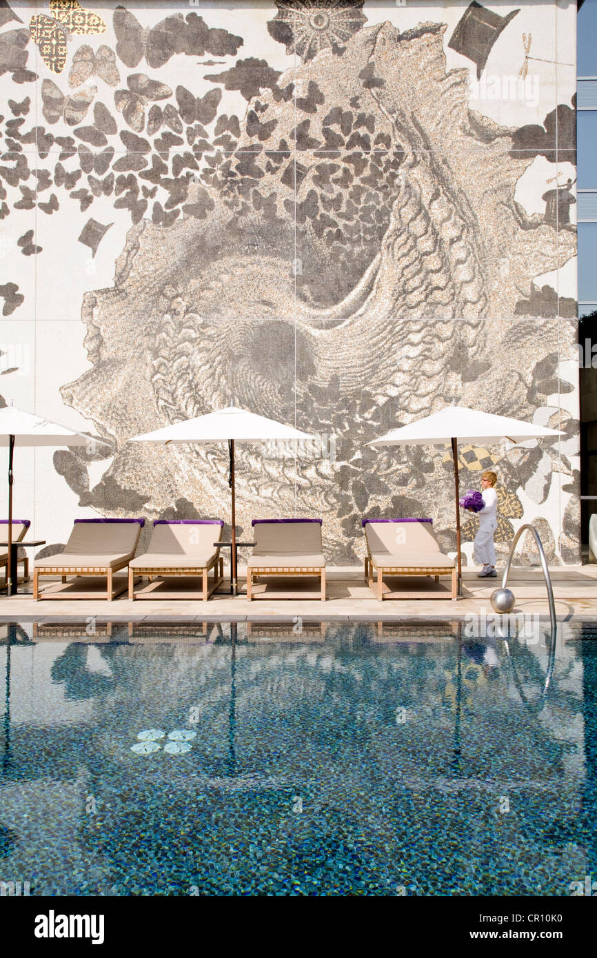 China, Hong Kong, Kowloon, W Hotel, swimming pool on the 73rd floor, the highest of the city - Stock Image