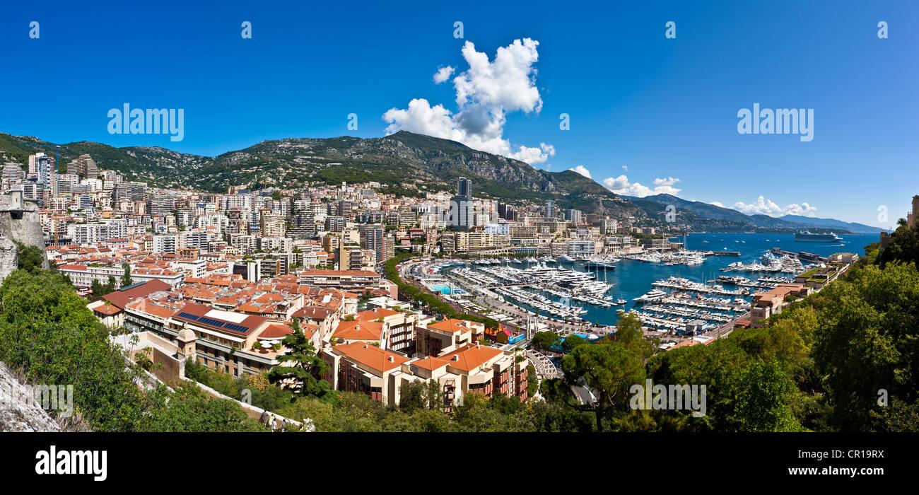 Overlooking the harbour of Monaco, Port Hercule, Monte Carlo, Principality of Monaco, Côte d'Azur, Mediterranean - Stock Image
