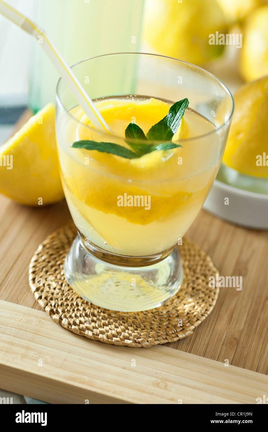 Home made lemonade Lemon squash - Stock Image
