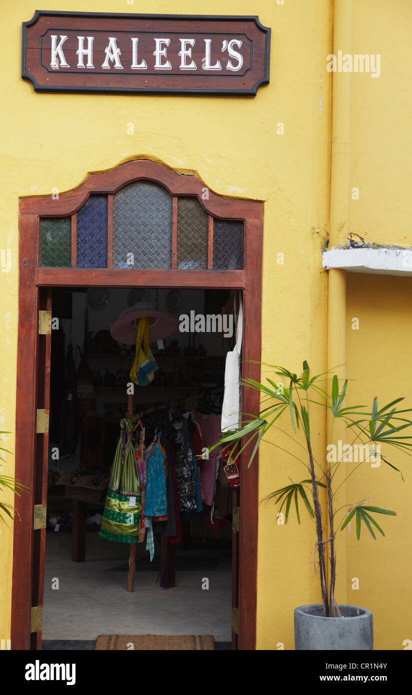 Arts and crafts shop, Galle, Southern Province, Sri Lanka - Stock Image