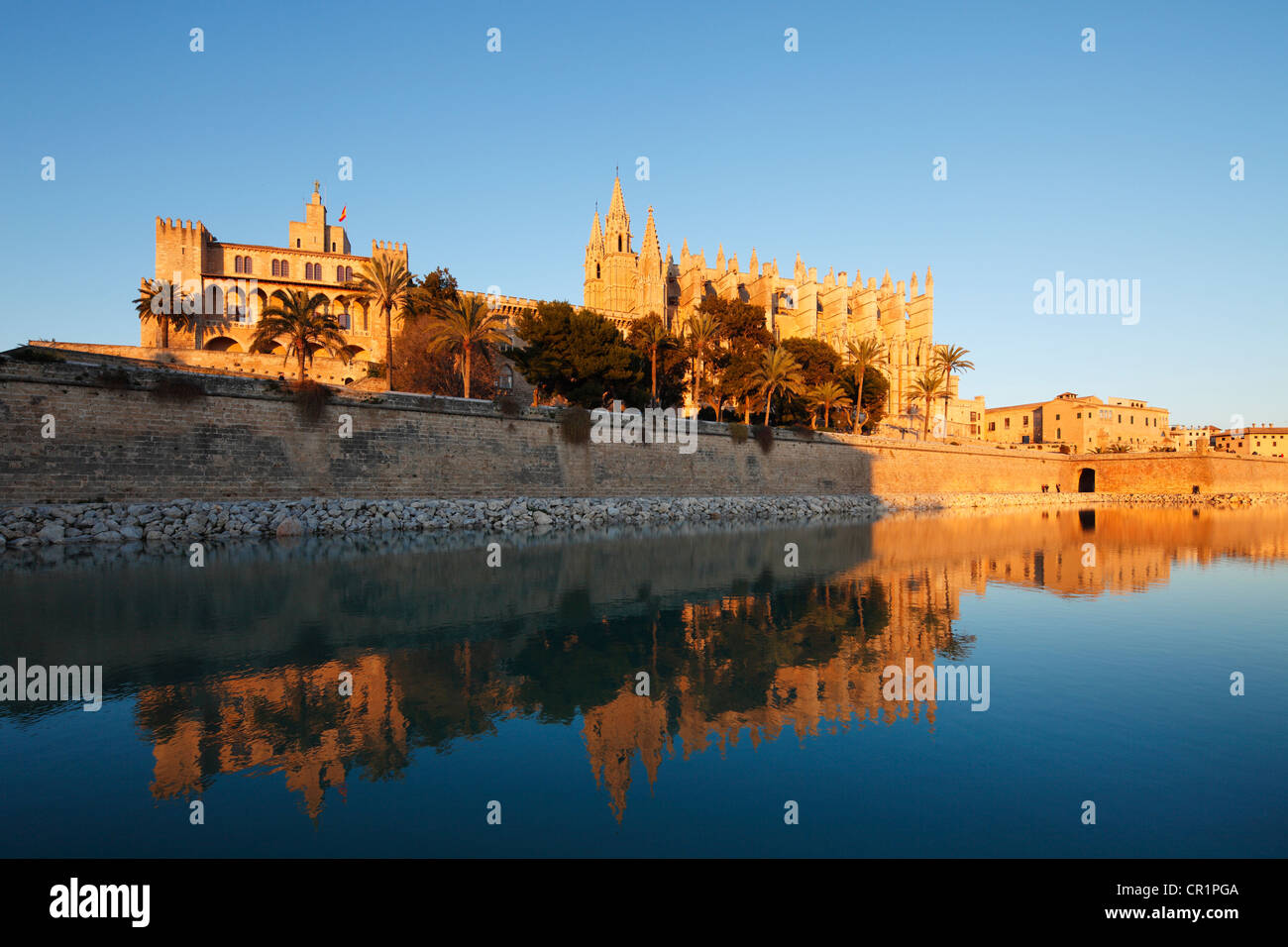 Almudaina Palace, La Seu Cathedral, Parc de Mar, Palma de Majorca, Majorca, Balearic Islands, Spain, Europe - Stock Image