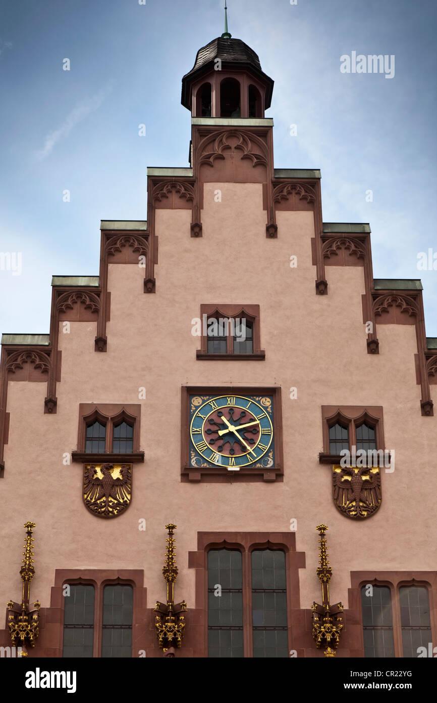 Clock in ornate building - Stock Image