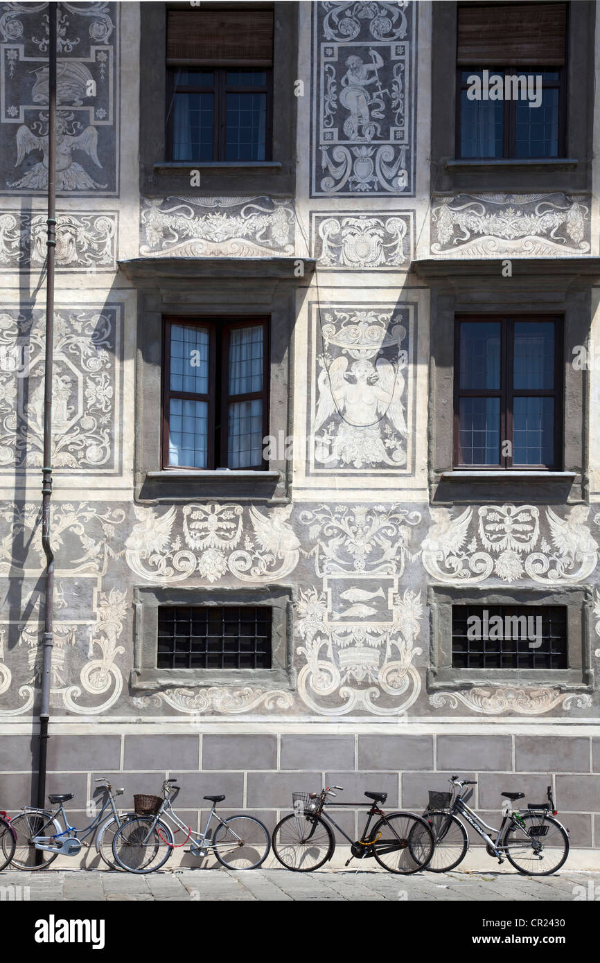 Ornate painted walls of building - Stock Image